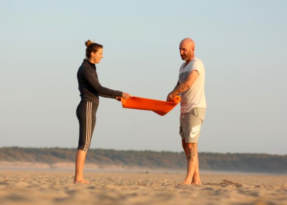 2019 : début des cours de yoga à la plage du Veillon